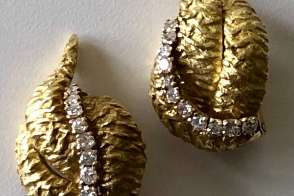 van cleef and arpels abstract gold and diamond leaf earrings