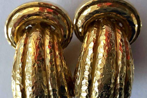 david webb hammered gold doorknocker earrings
