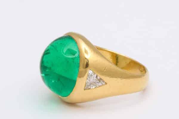 Bulgari emerald and diamond ring